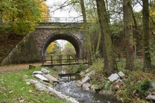 6 Podjezd cyklostezky pod tratí na Benešov